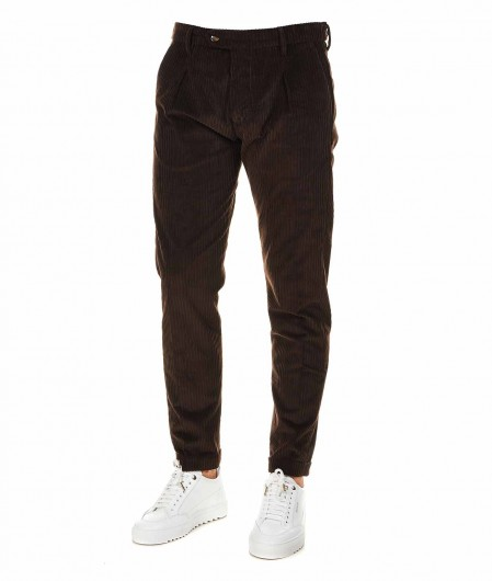Cruna  Corduroy trousers dark brown